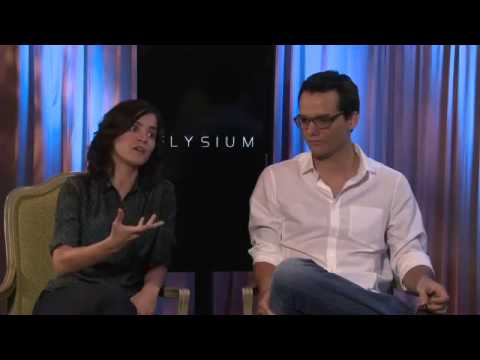 Elysium(2013) Alice Braga & Wagner Moura Interview