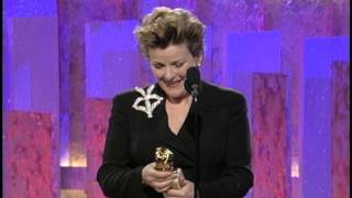 Golden Globes 1997 Brenda Blethyn Wins Best Actress Motion Picture Drama Secrets and Lies