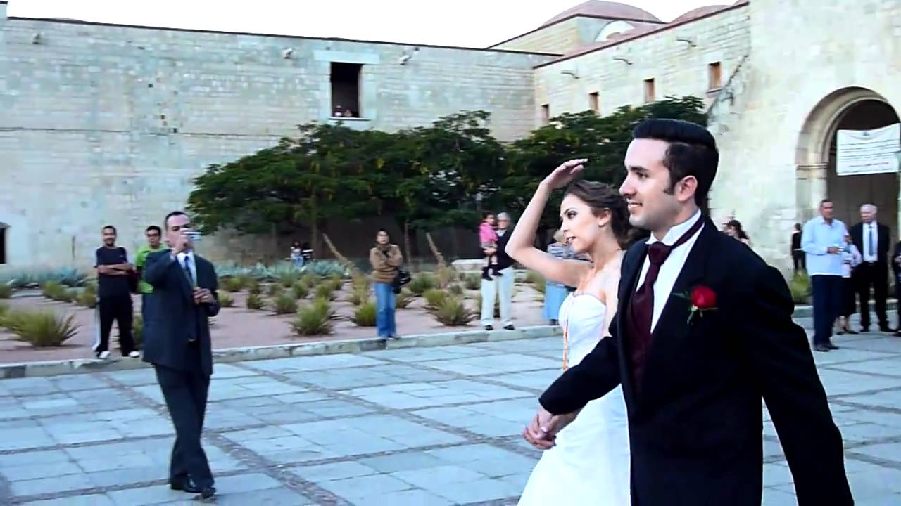 Wedding (Part 3) at Santo Domingo Church, Oaxaca, Mexico - YouTube