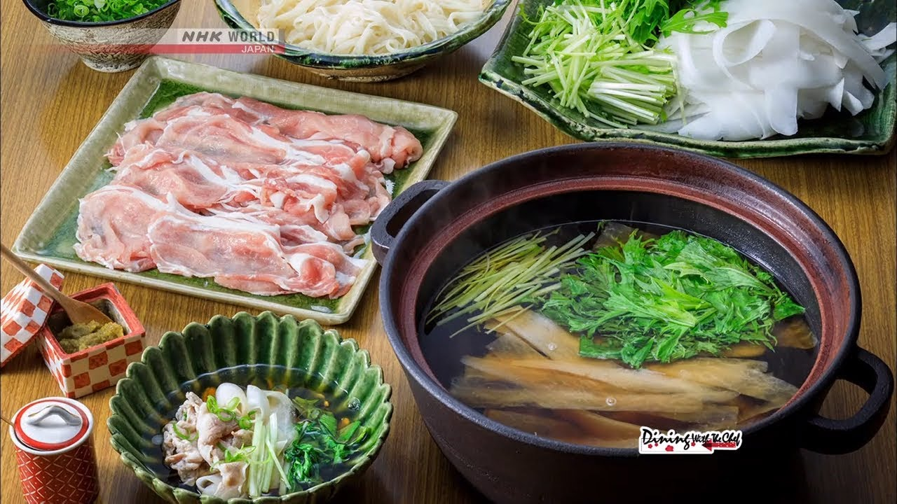 Photo of Chef Saito's Hari-Hari Hot Pot [Japanese Cooking] – Dining with the Chef – video
