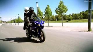 Jazda motocyklem sportowym na torze jako pasażer – Warszawa video