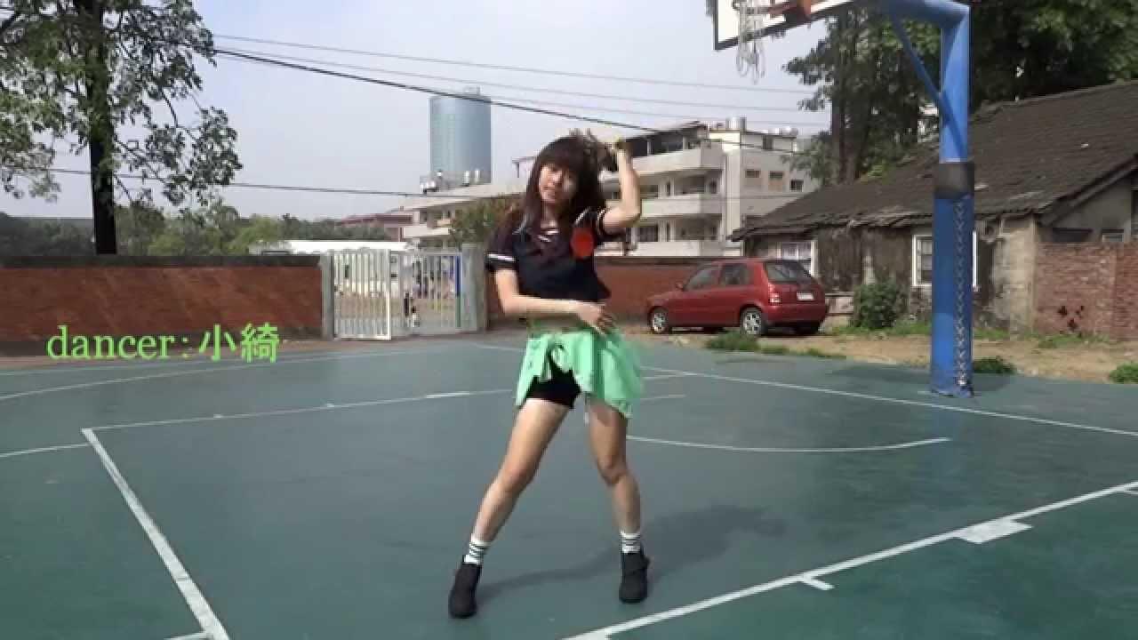 Dancing Araksya Karapetyan Hot Weather Girl (Fox 11)  |Mexican Weather Girls Dancing
