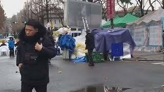 긴급 ///광야교회 계속되는 종로경찰 경고 철거 해산 명령전달