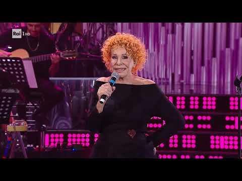 Ornella Vanoni canta 'Bocca di rosa' - Una Storia da Cantare 16/11/2019