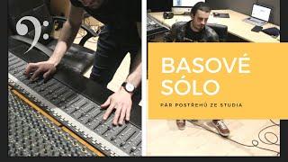 Hostování s basovým sólem