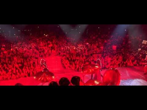 Rock star  Blood pollution scene