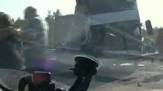 Видео ДТП на Мурманском шоссе(Напомним, что авария произошла на 39-м километре Мурманского шоссе у моста через Неву при въезде в город..., 2010-08-17T13:06:41.000Z)