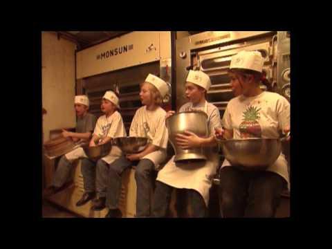 Die falschen Weihnachtsmänner: Der Adventskalender zum Hören (Bibi & Tina) YouTube Hörbuch Trailer auf Deutsch