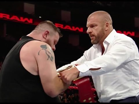 Download Fightful.com Podcast (8/29): Raw Review, HHH, Kevin Owens Wins Universal Championship