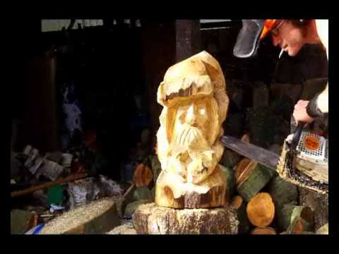 Rattus rattus nibbling the christmas chainsaw carvings by
