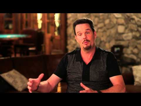 "Entourage: Kevin Dillon ""Johnny Drama"" Behind the Scenes Movie Interview"