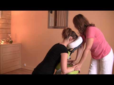 Massage assis sur siège ergonomique