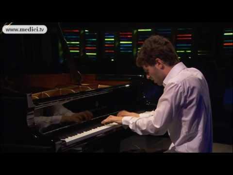 Adam Laloum plays Schumann Davidsbündlertänze - Verbier Festival 2010