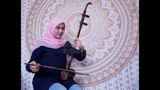 Wanita Melayu dan alat muzik tradisional Cina - Stafaband