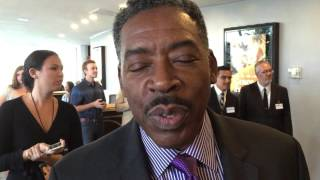 Ernie Hudson chats on the