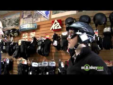 How to Buy New Ski Accesories - Ski Goggles and Helmet