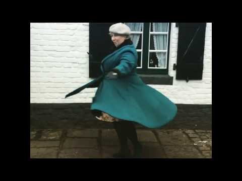 MissKittenheel HellBunny Vivien Swing Coat