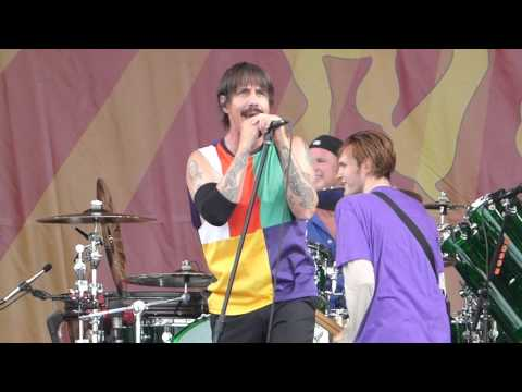 Red Hot Chili Peppers - Aeroplane (Jazz Fest 04.24.16) HD