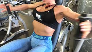 Сведение рук в машине Hoist (грудные мышцы) Fly for chest in Hoist machine