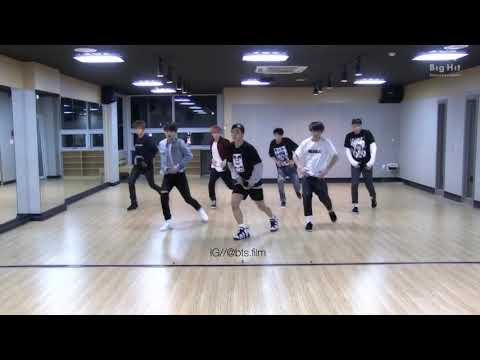 BTS Dancing to Rockstar by Post Malone ft 21 Savage