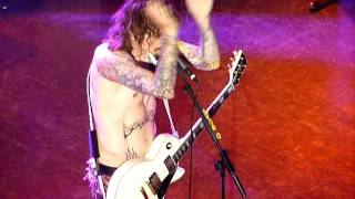 The Darkness - Nothing's Gonna Stop Us at the Shepherds Bush Empire.