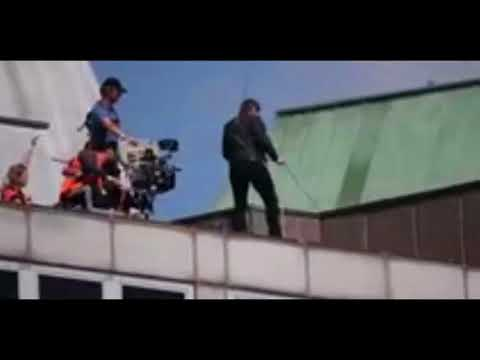 Tom Cruise Injured After Plunging Off Building in London MI6