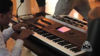 Nely El Arma Secreta creando musica