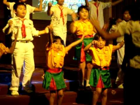 """agnes novita """"choir kids"""""""