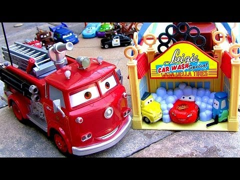 Huge Firetruck Red Sprays WATER Remote Control Pixar Camion de Bombero Baby Toys by ToyCollector