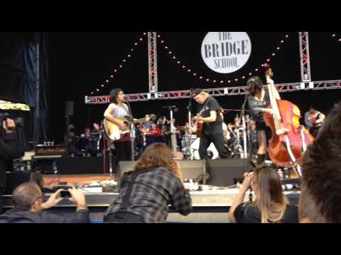 Neil Young, Norah Jones & Puss N Boots - Down By The River - 10/26/14