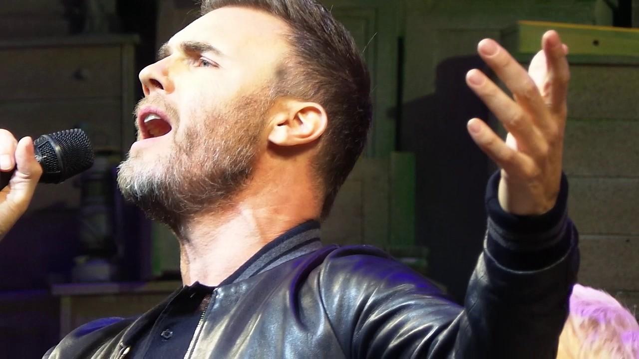 Gary Barlow singing 'Dare' 28/01/17