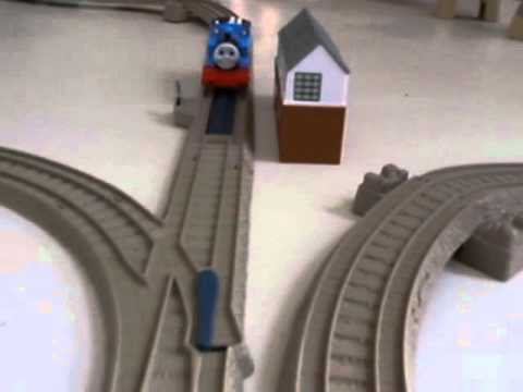 Thomas le petit train et Adrien de Morfontaine Travel Video