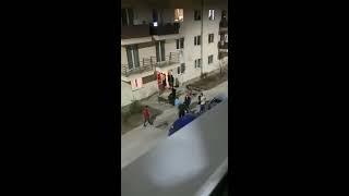 Bataie pe o strada din Arad, dupa ce o fata de 12 ani s-a sarutat cu un vecin