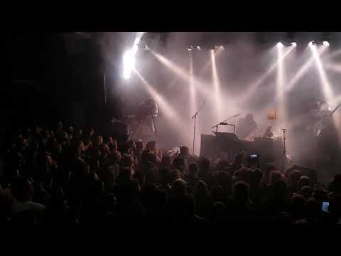 Nahko and medicine -My name is Bear  25-11-2017 Amsterdam Melkweg nr 2