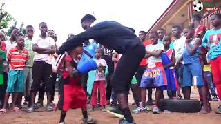 Anthony Joshua Knock Out boxing kids in NigeriaSTREET BOXERS EPISODE ONE