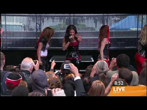 Pussycat Dolls - I Hate This Part    live!!!   FULL HD