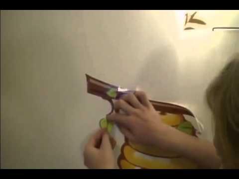 Cмотреть Как клеить виниловую декоративную наклейку
