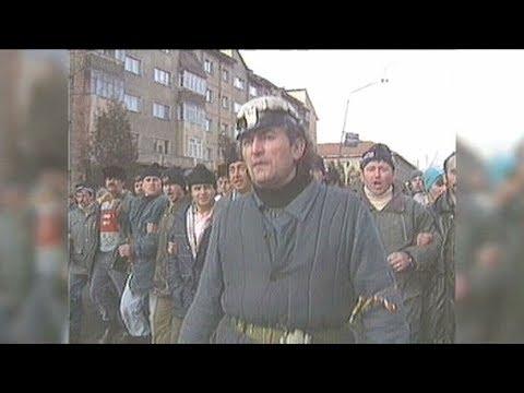 Dosar România: 32 de pisici - documentar despre Mineriada din 1999 (@TVR1)