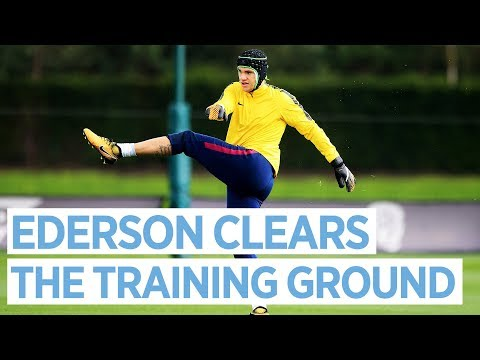 EDERSON SHOOTS FOR THE MOON | Man City Training