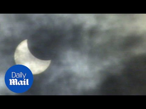 Solar eclipse hits the United Kingdom in August 1999 - Daily Mail