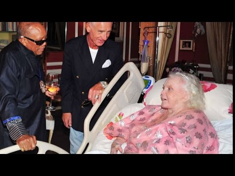 Exclusive Tour of Zsa Zsa Gabors Home Reveals Her Most Intimate Final Years