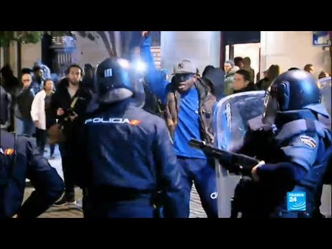 Spain: Night of chaos in Madrid after street vendor dies escaping police