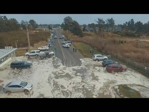 Storm Surge - High Tide - Ocean Park, Wa Beach Approach  Cars Scrambling  Today 1-18-2018
