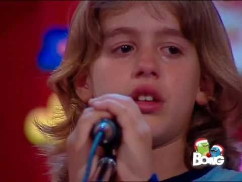 FLOR 2 - Thomas canta per la festa della mamma - Video Originale