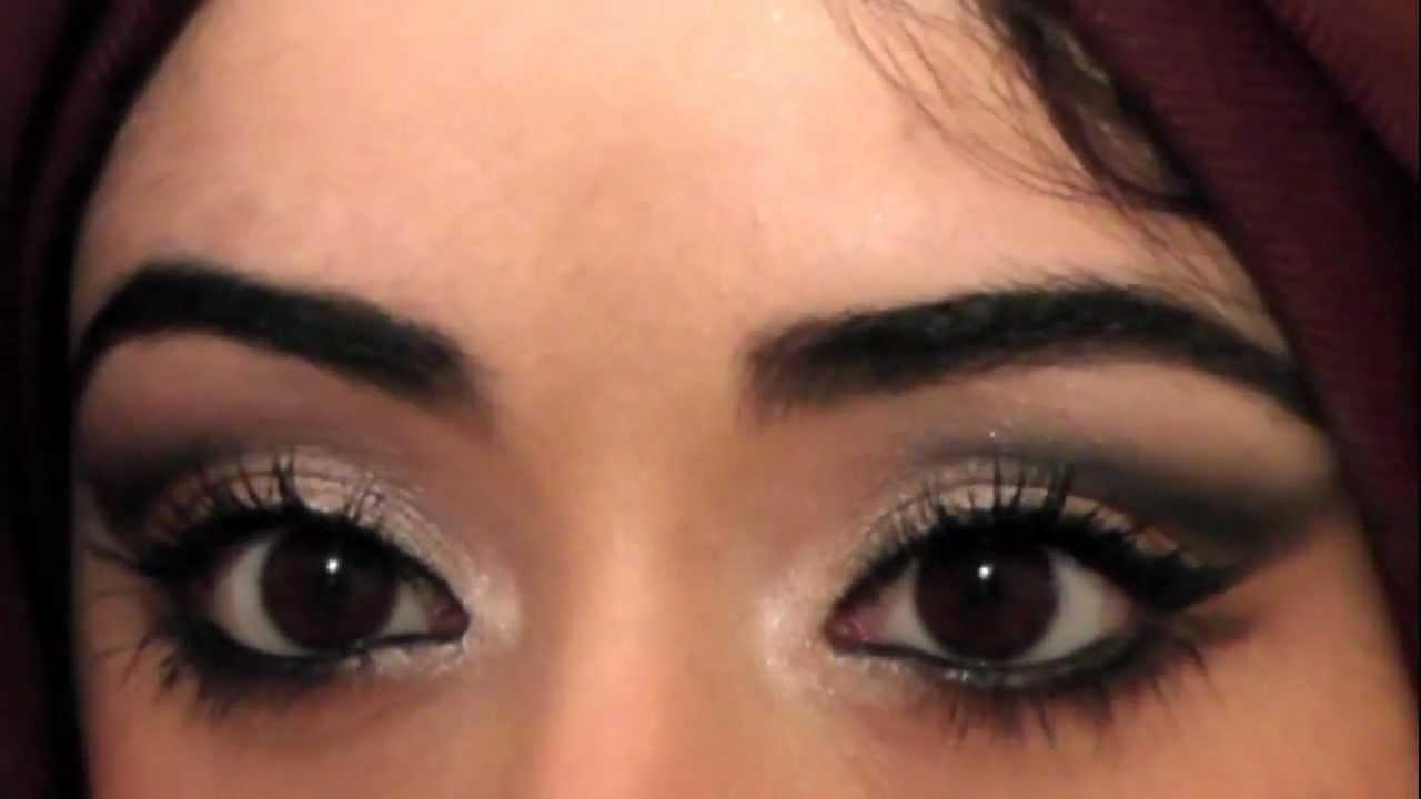 Eye makeup zukreat