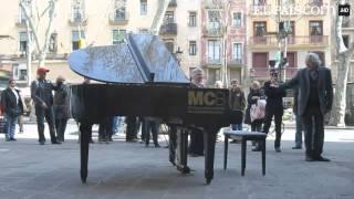 Soy un piano, estoy en tus manos, tócame