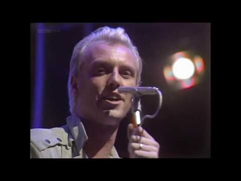 Heaven 17 - Come Live With Me (TOTP 1983)