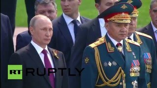 Russia: Putin & Nazarbayev pay tribute to WWII victims at Tomb of the Unknown Soldier