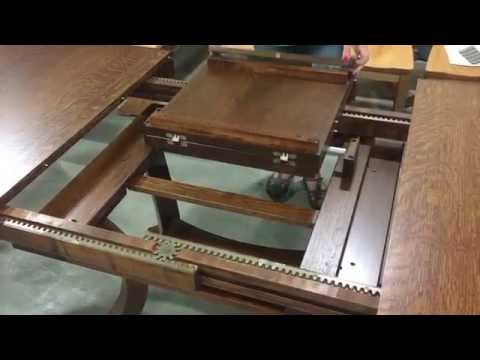 Carlisle butterfly leaf table - How to put a butterfly leaf in a table