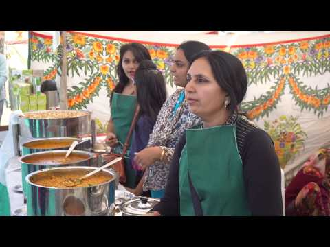 Amazing Indian Women Cooking and Serving Food To The Customers